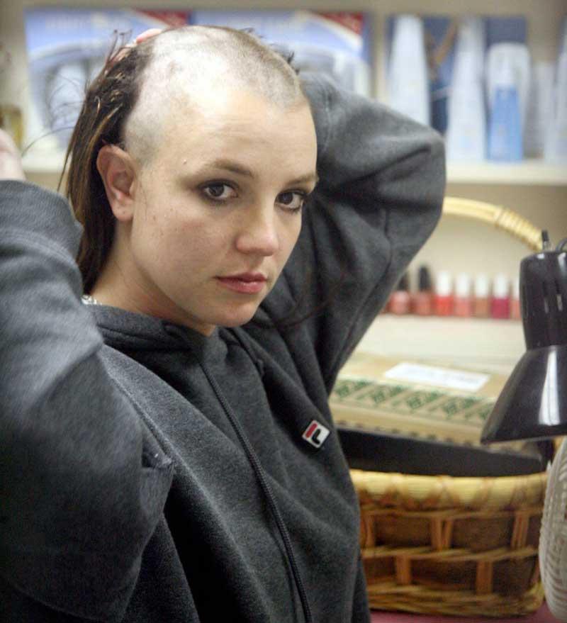 Britney rapada (1)