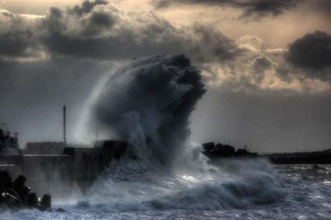 tsunami provocado