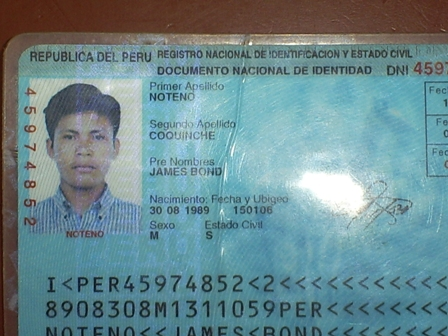 james bond peruano
