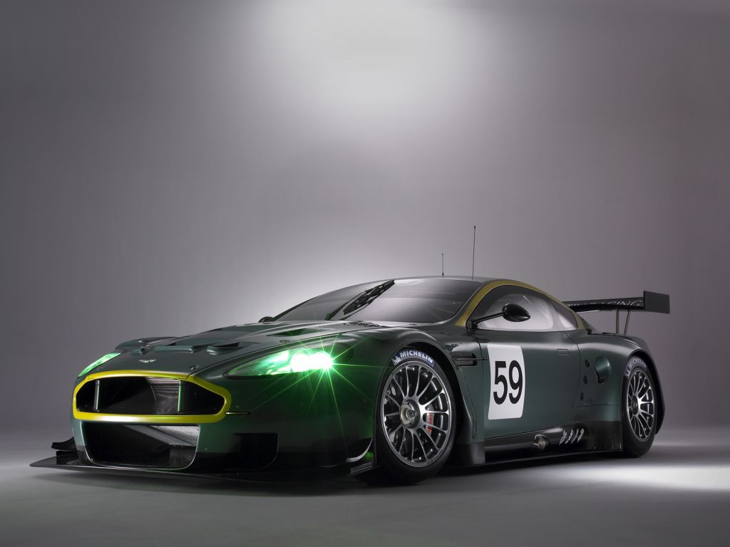 Aston Martin Wallpaper (3)