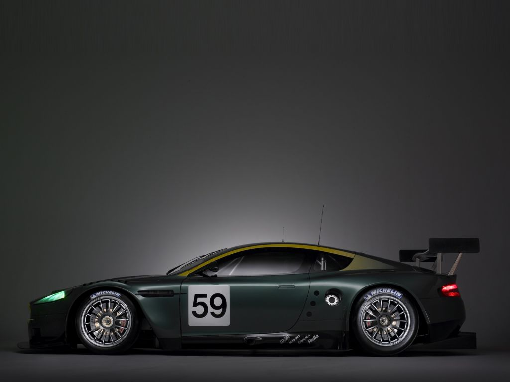 Aston Martin Wallpaper (2)
