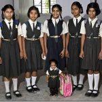 Jyoti Amge, la chica más pequeña del mundo.