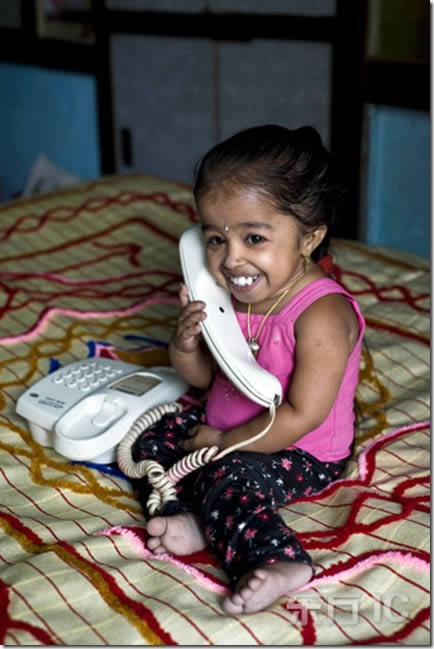 Jyoti Amge, la mujer más pequeña del mundo (5)