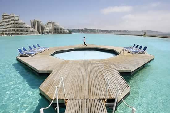 piscina_enorme
