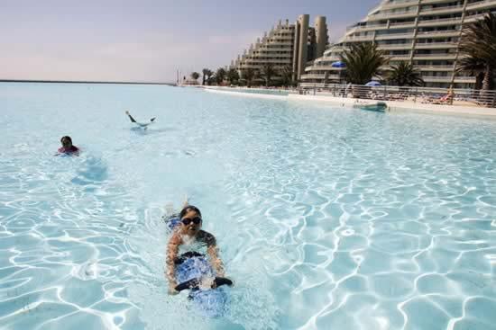 piscina_enorme3