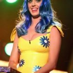 Broma a Katy Perry en los Kids Choice Awards