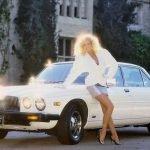 Chicas Playboy + autos retro