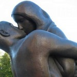 love-statues08