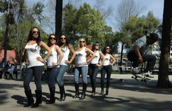 aeromozas de Mexicana (5)