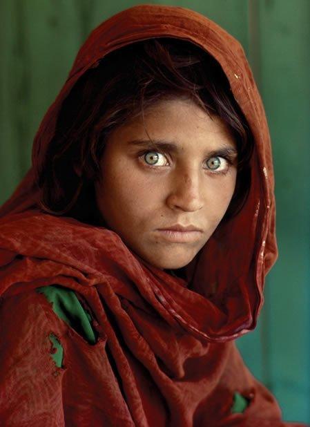 afgana ojos verdes