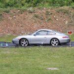 Disparando a un Porsche