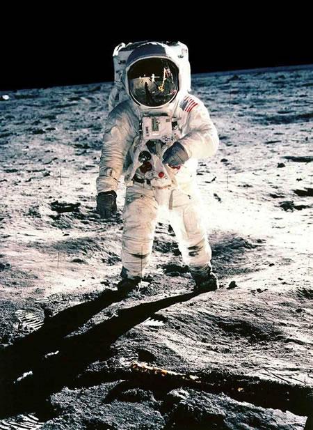 Neil Armstrong luna Apollo 11