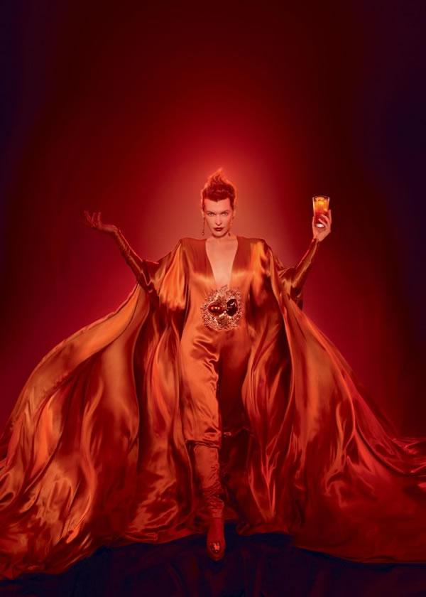 Milla Jovovich campari (4)