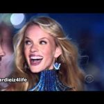 Maroon 5 – Moves Like Jagger en Victoria's Secret Fashion Show 2011