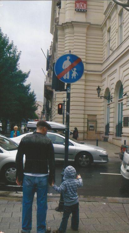 gente rompiendo reglas (27)