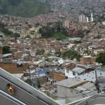 Escaleras electricas para una comuna en Colombia