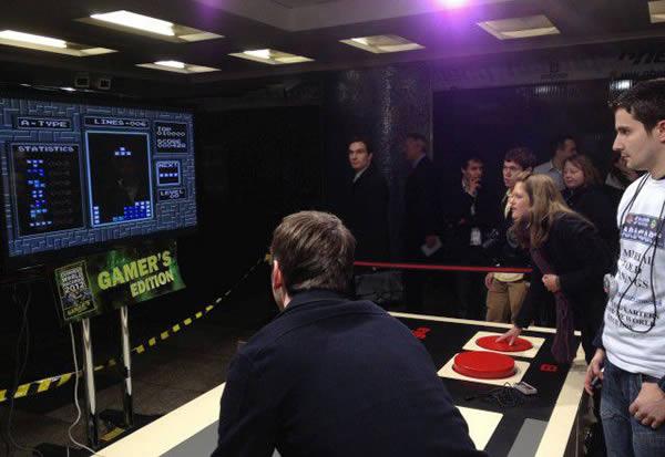 Control gigante de NES (2)