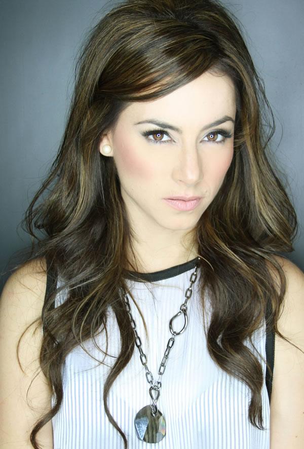 Claudia Lizaldi bellísima (3)