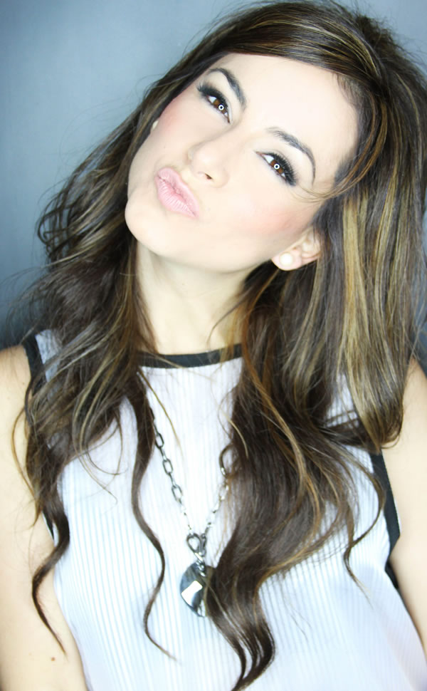 Claudia Lizaldi bellísima (2)
