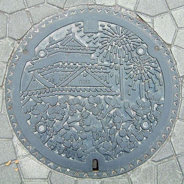 Tapas de alcantarillas en Japón (19)