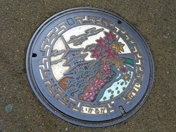 Tapas de alcantarillas en Japón (9)