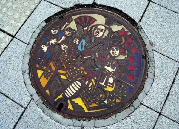 Tapas de alcantarillas en Japón (6)