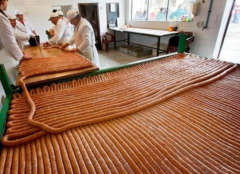 salchicha más grande del mundo (3)
