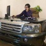 Escritorios hechos de autos