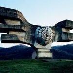 Monumentos abandonados en Yugoslavia