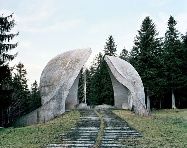 Monumentos abandonados Yugoslavia (6)