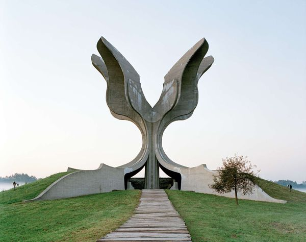 Monumentos abandonados Yugoslavia (4)