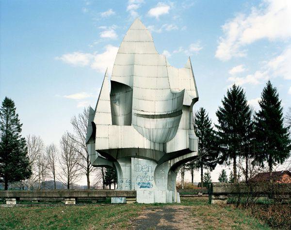 Monumentos abandonados Yugoslavia (3)