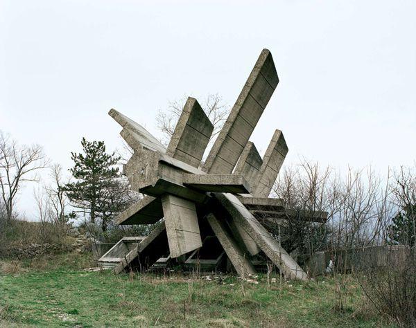 Monumentos abandonados Yugoslavia (25)