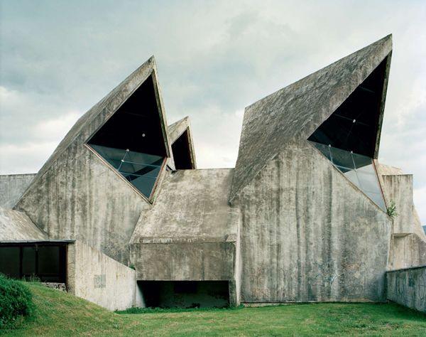 Monumentos abandonados Yugoslavia (22)