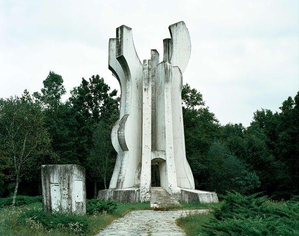 Monumentos abandonados Yugoslavia (11)