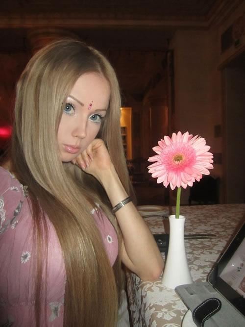 Valeria Lukyanova barbie (18)