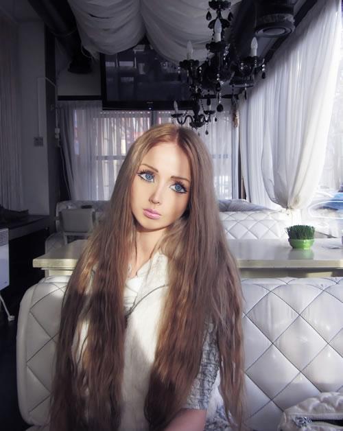 Valeria Lukyanova barbie (13)
