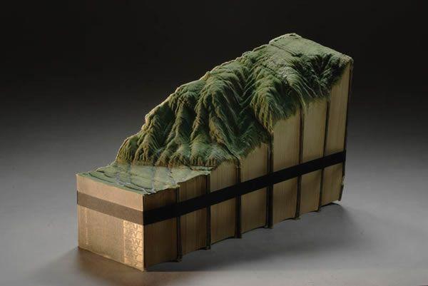 esculturas esculpidas en libros (12)