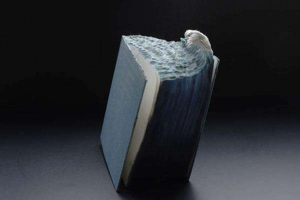 esculturas esculpidas en libros (11)