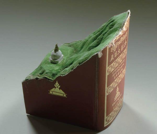 esculturas esculpidas en libros (9)