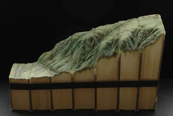 esculturas esculpidas en libros (7)