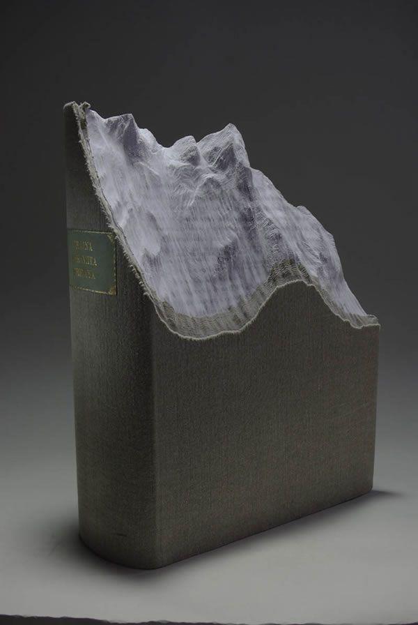 esculturas esculpidas en libros (2)