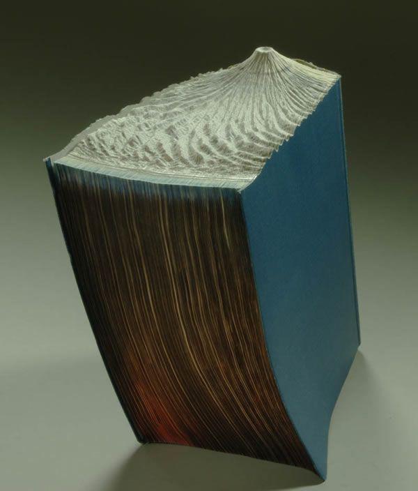 esculturas esculpidas en libros (16)