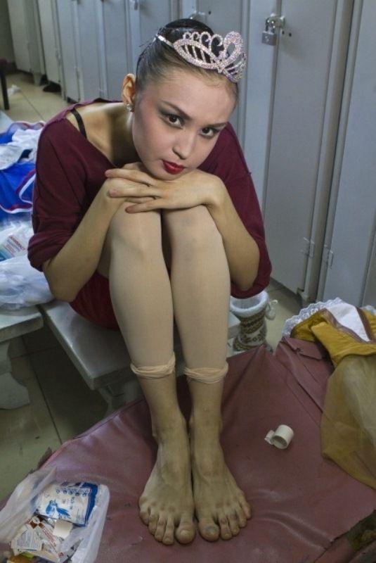 Los pies una bailarina profesional del Ballet (2)