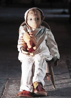Robert, el muñeco Robert-the-Haunted-Doll-from-KWAHS-PR