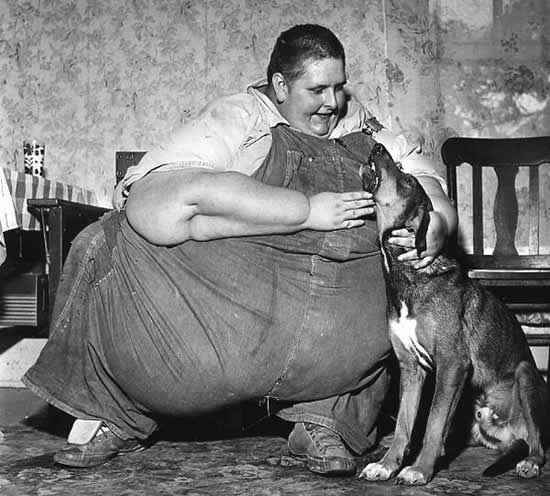 Robert Earl Hughes gordo historia
