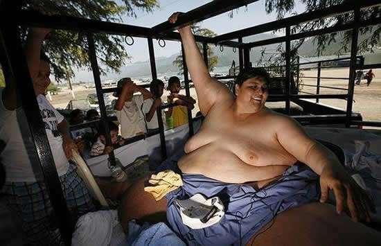 Uribe gordo paseando mexico