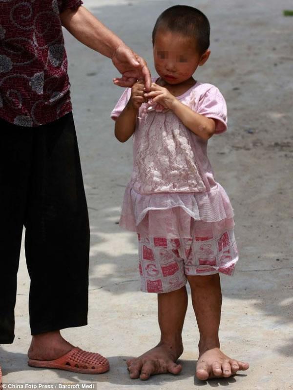 YuYu pies gigantes (1)