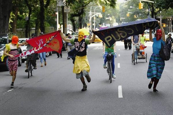 Pussy Riot manifestaciones (5)