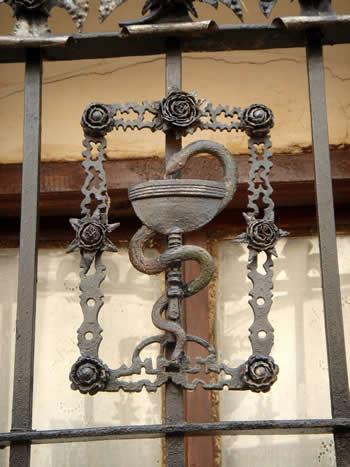 serpiente como símbolo de las Farmacias